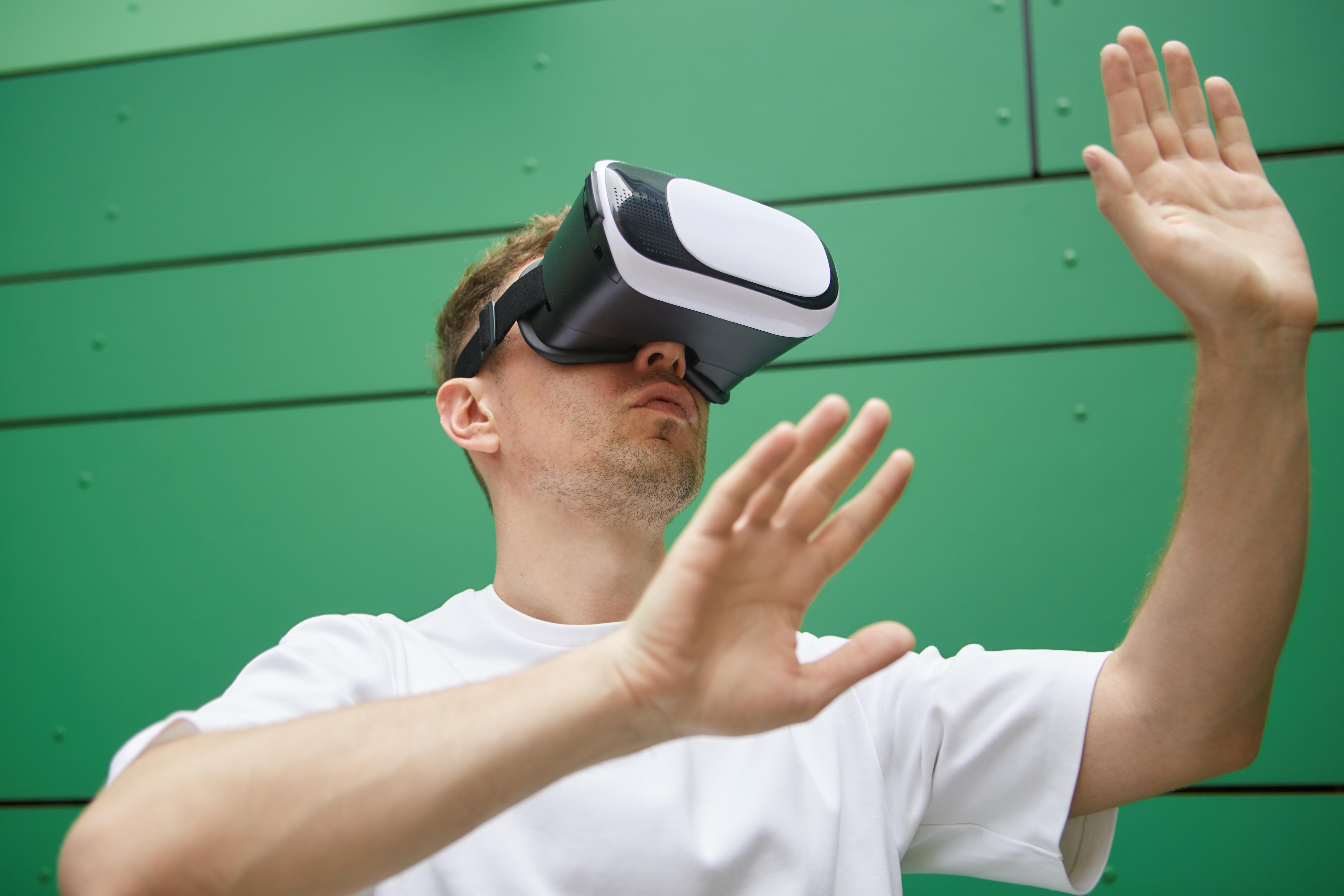 VR技術を使った「安全体感教育」って、今までの安全教育とどう違うの?